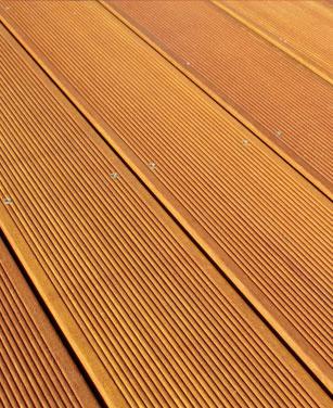 Pflege für Ihre Terrasse