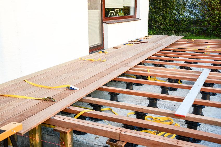 Terrassenplatten Verlegen Auf Balkon Surfinser