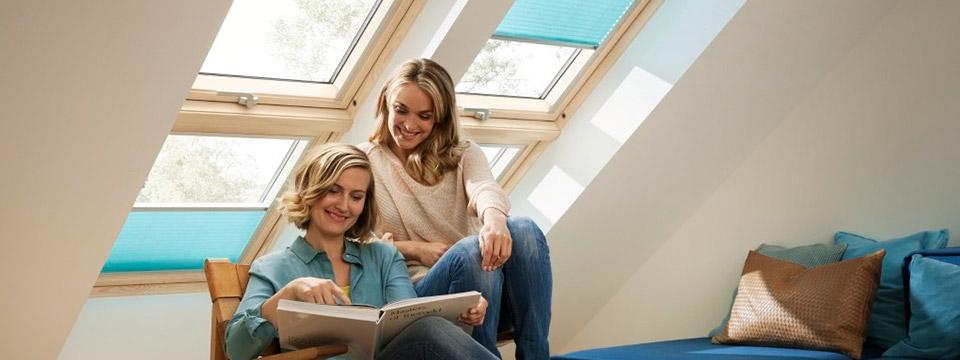 unterschiede bei dachfensterrollos arten von rollos benz24. Black Bedroom Furniture Sets. Home Design Ideas